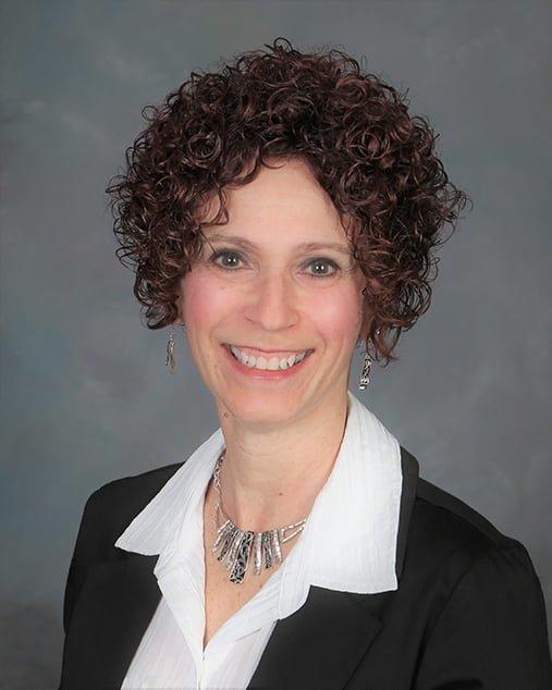 Lisa Kubisiak - Bio Image